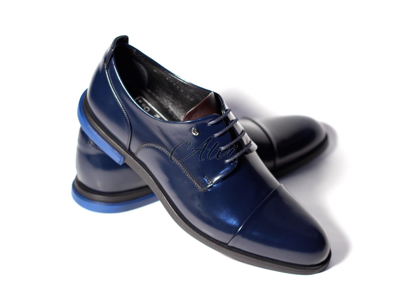 Scarpe Matrimonio Uomo Tacco : Scarpe maschili allacciate blu notte con tacco elettrico