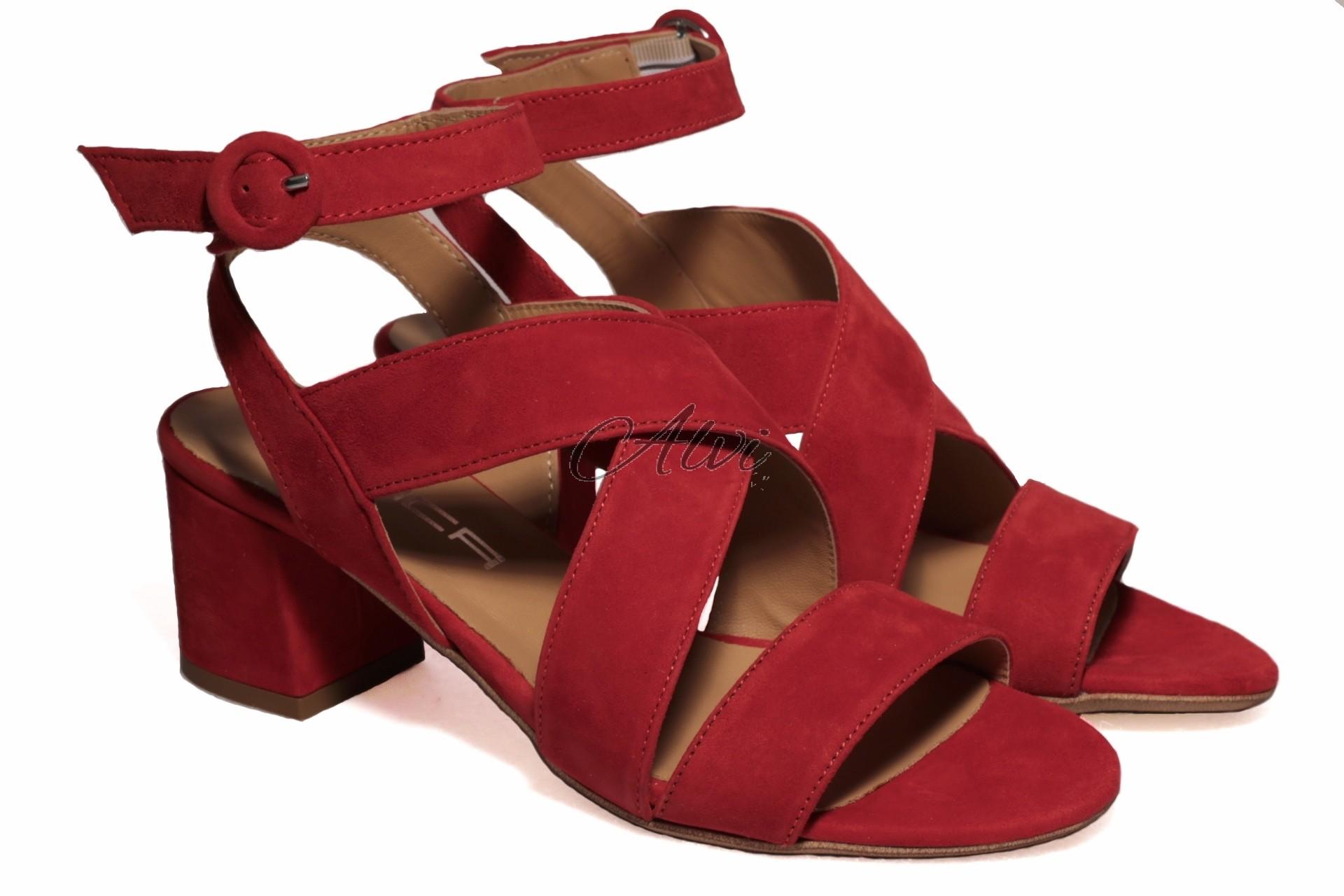 260f8ca65f582 Sandali rossi tacco medio