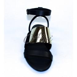 Sandalo See by Chloé stile schiava nero con placca metallo oro