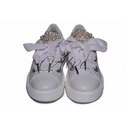 Sneakers bianche con perle